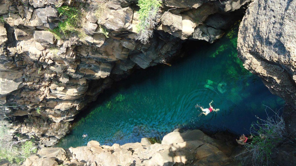 las-grietas-santa-cruz-island-galapagos-1200x675.jpg