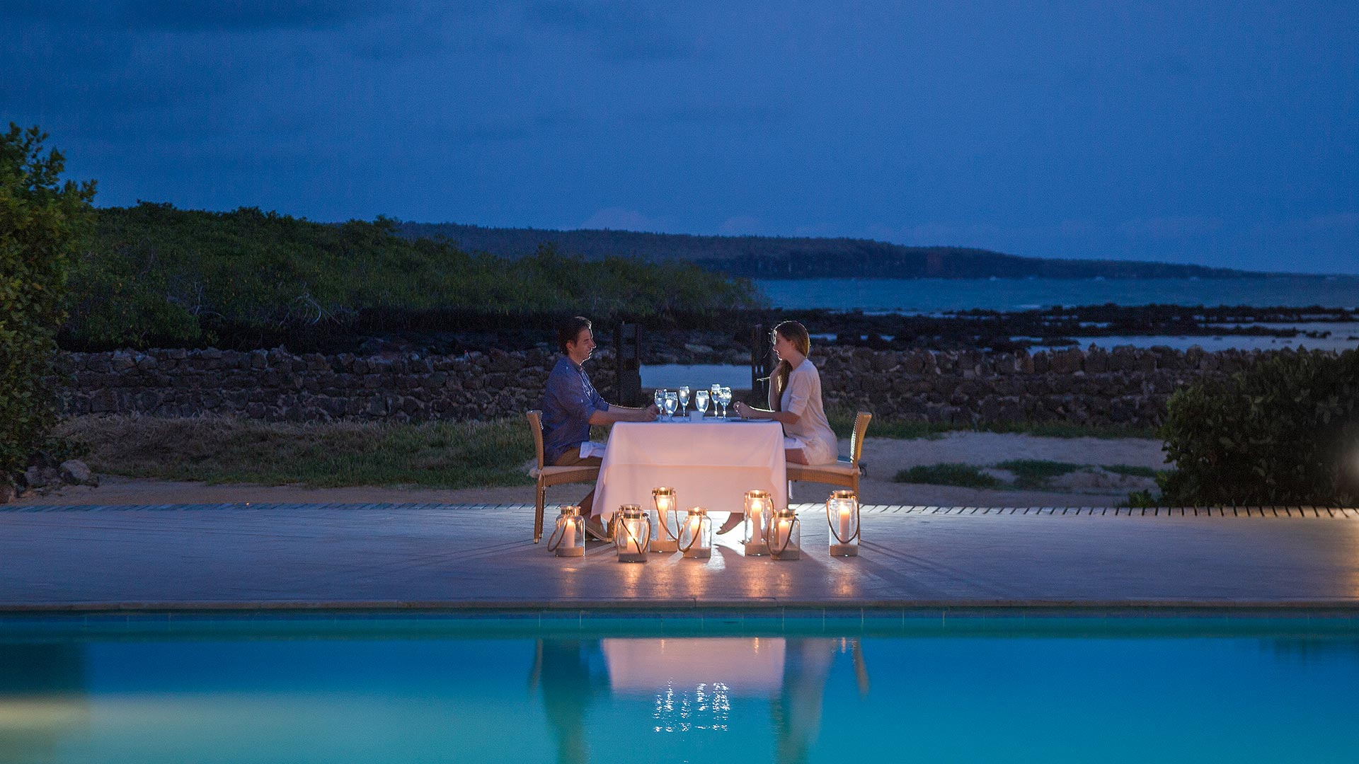 Candlelit dinner by the sea