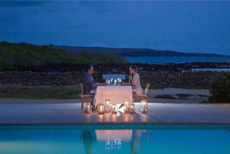 romantic-dinner-finch-bay.jpg