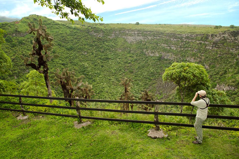 santa cruz history highlands