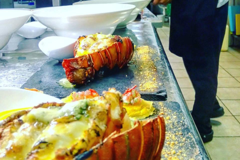 galapagos-food-lobsterkitchen-1.jpg