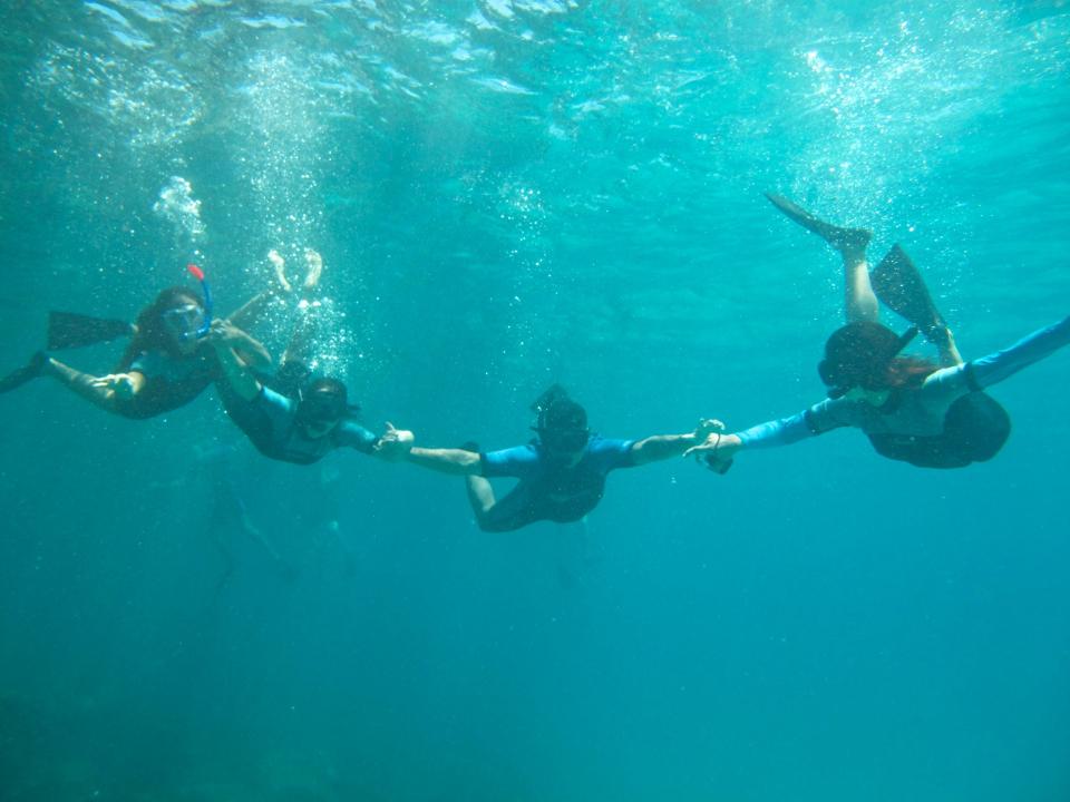 snorkelling galapagos