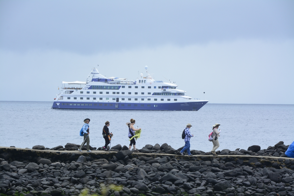 how to experience the galapagos islands cruise