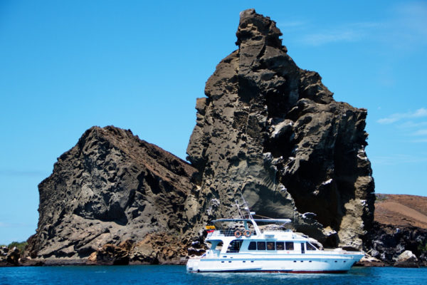 Daily tours in Galapags aboard Sea Lion yacht