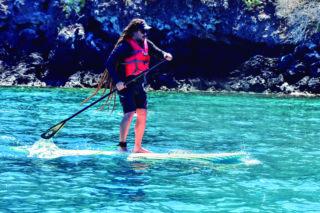 Surf de remo en Galápagos.