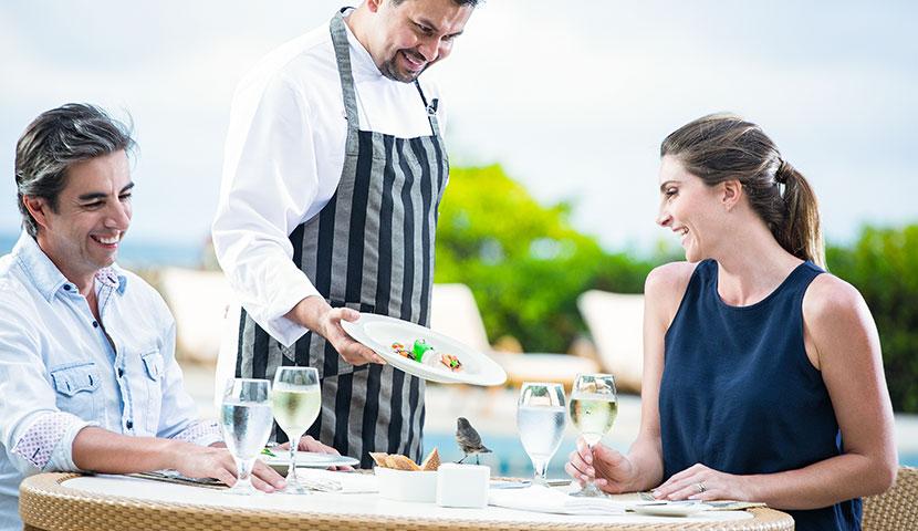 Almuerzo en el Finch Bay Galapagos Hotel
