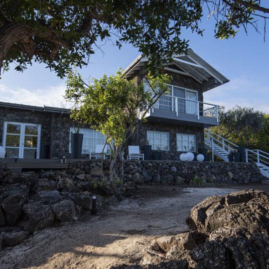 Amanecer en el Finch Bay Galápagos Hotel