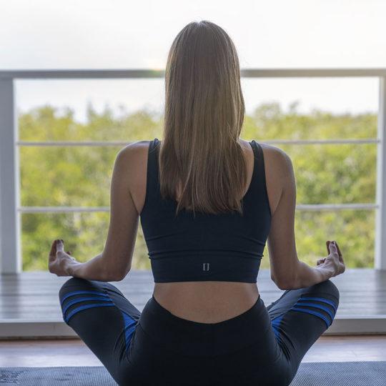 Yoga en el Finch Bay Galápagos Hotel