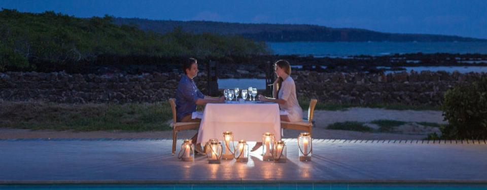 romantic-dinner-finch-bay-2.jpg